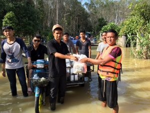 Radio stations provide flood relief in southern Thailand: January 2017